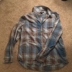 Men's Kenneth Cole button down.